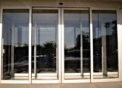 алюминиевые раздвижные двери Севастополе